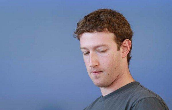 mark zuckerberg Facebook   Faux profils, cours en chute, suspicion de fraude...