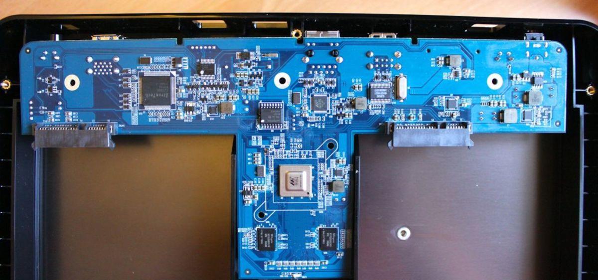 QNAP-HS-210-SOC